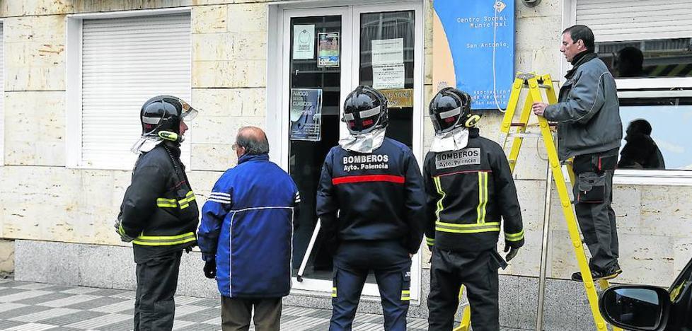 Los bomberos de Palencia controlan una fuga de gas en San Antonio