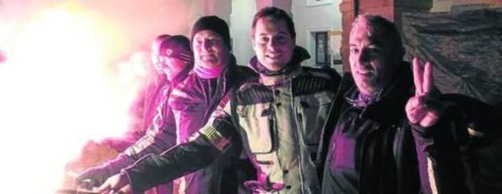 La memoria de Ángel Nieto alumbra el desfile de antorchas