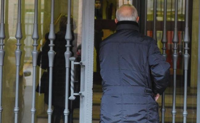 La acusación particular cree que la familia del detenido en Medina incurre en contradicciones
