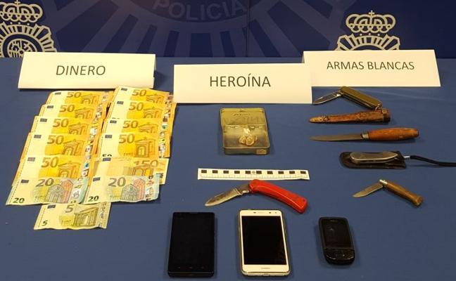 Detenida una pareja que traficaba con heroína cerca de centros escolares de La Rondilla