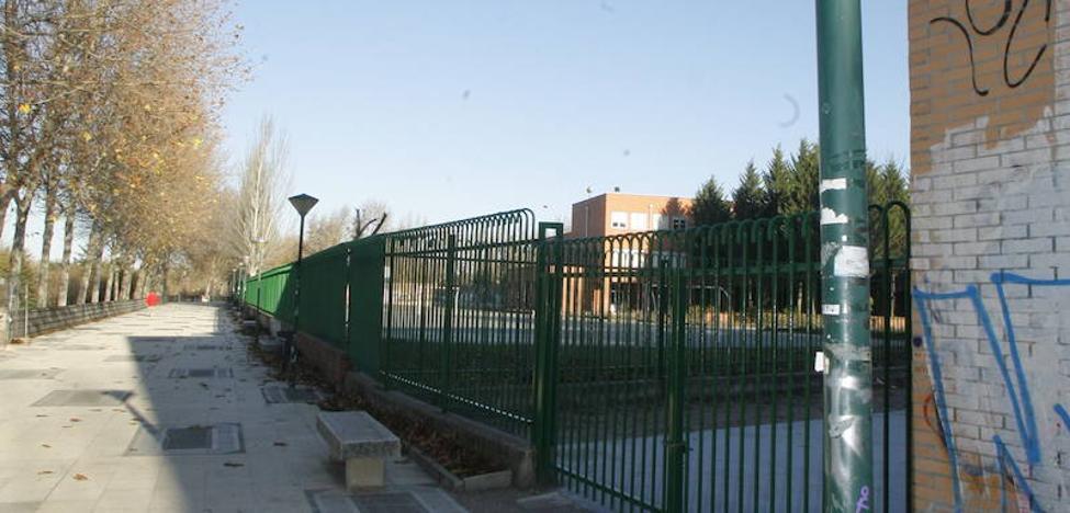 Roba 187 metros de cable y deja sin luz al paseo del Parque de Ribera de Castilla