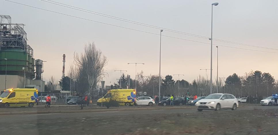 Accidente múltiple en la rotonda de Michelin con tres lesionados