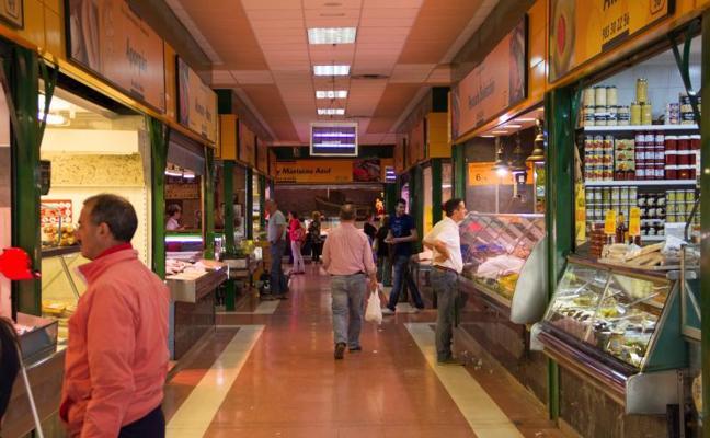 Cinco locales del Mercado del Campillo saldrán a licitación tras cesar en su actividad