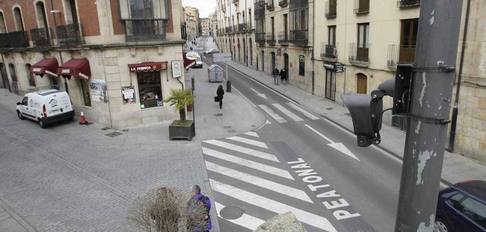Las cámaras de control de acceso de vehículos a las zonas peatonales funcionarán en marzo