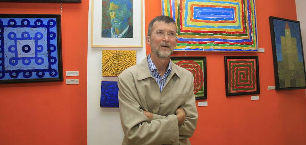 El crítico Jesús Mazariegos recorre la Historia del Arte en imágenes en la exposición 'Santos reciclados'