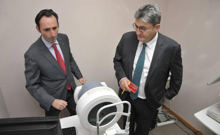 Visita de Óscar Campillo al IOBA