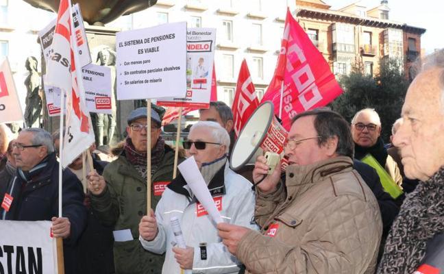 CC OO se manifiesta en Fuente Dorada en defensa del Sistema Público de Pensiones