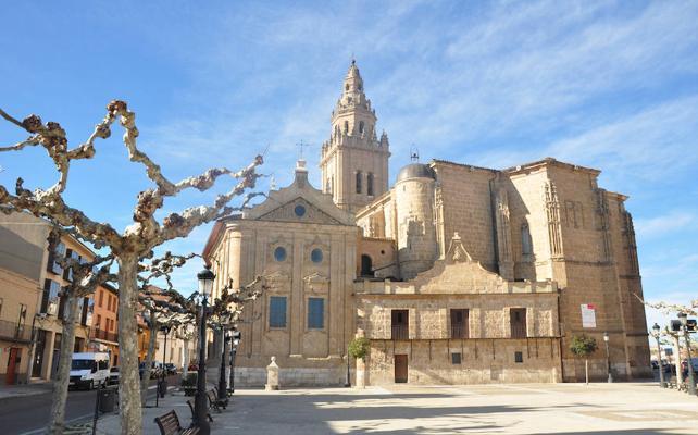 La restauración de la torre de la iglesia de Nava costará medio millón de euros