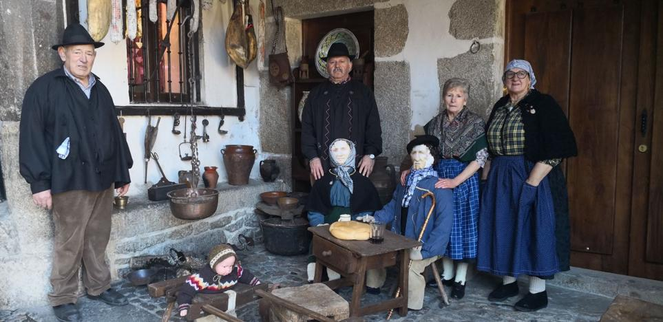 La televisión 'adelanta' la rifa del marrano de San Antón en La Alberca