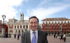Ágatha Ruiz de la Prada responde a las manifestaciones de amor de Pedro J. Ramírez con Cruz Sánchez