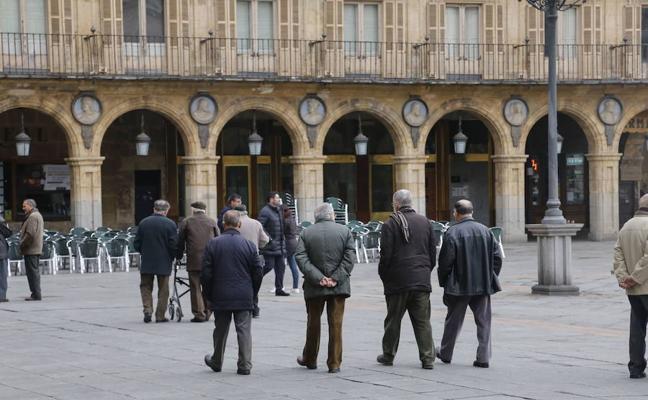 El 8% de los pensionistas cobran menos de 150 euros y el 43% no llegan a los 700