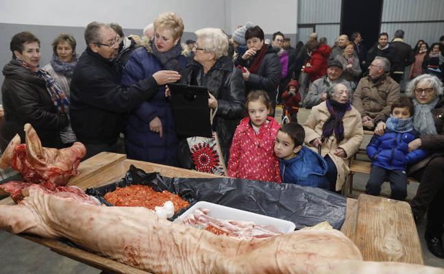 La gastronomía y la tradición reúnen a los vecinos en Autilla del Pino
