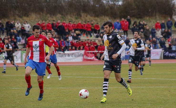Partido de Tercera División entre Unionistas de Salamanca y Tordesillas (1-2)