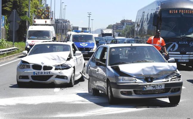 Cuatrocientas bandas estafan a los seguros de automóvil por todo el país