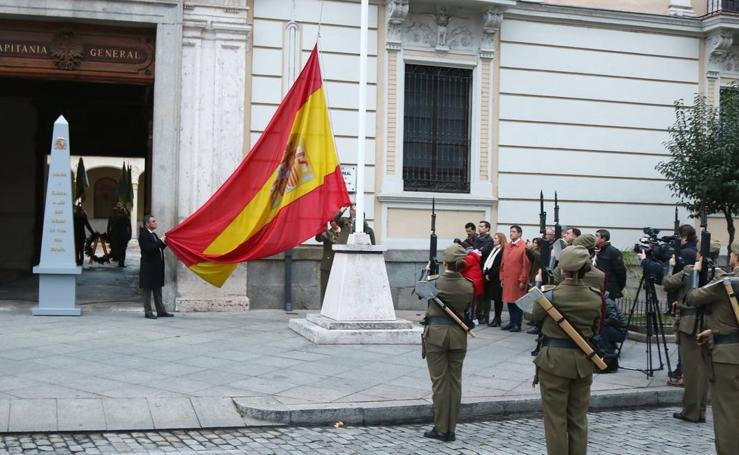 El Palacio Real de Valladolid dedica a los medios de comunicación el arriado solemne de la bandera nacional