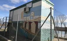 La estación de información hidrológica de Zamora luce un mural sobre la ciudad y el Duero