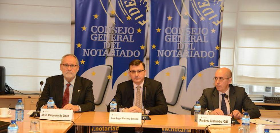 Los notarios identifican a 25.000 personas de responsabilidad pública