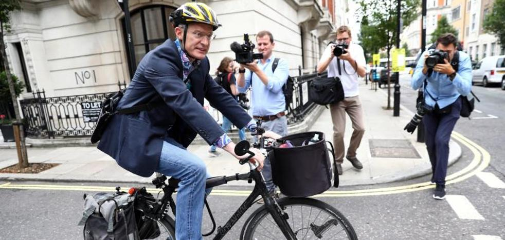 Cuatro periodistas estrellas de la BBC aceptan recortes de sueldo