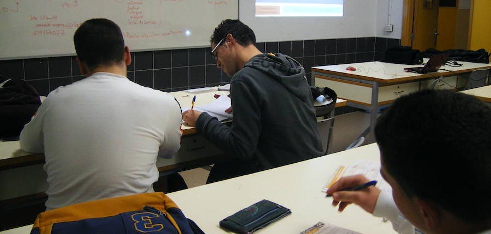La Diputación imparte talleres de prevención en 20 colegios para detectar señales de acoso escolar