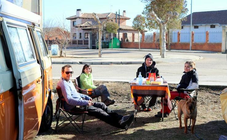 Concentración de furgonetas camper en Torquemada