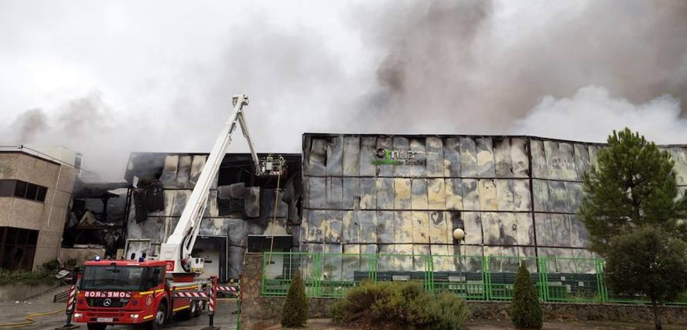 La Junta declara el incendio de la fábrica de Ornua como situación de «extraordinaria trascendencia y urgente actuación»