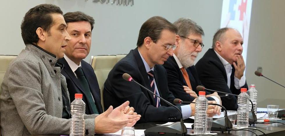 La Junta, la patronal y los sindicatos exhiben en Madrid el Diálogo Social regional