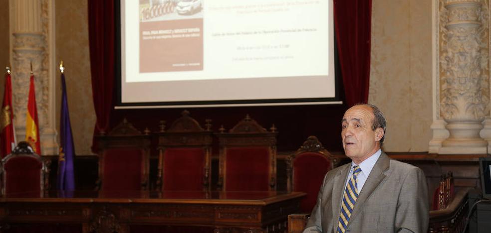 Enrique Espinel presenta en Palencia su libro sobre los 40 años de Renault