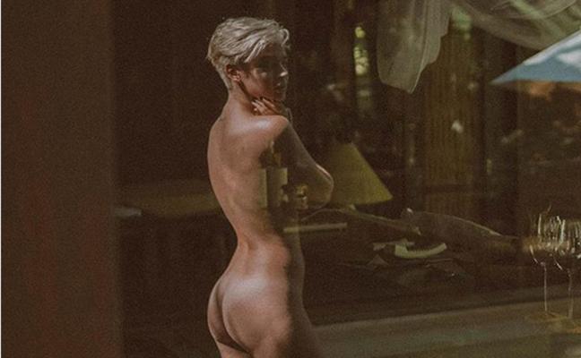 Laura Escanes, al desnudo