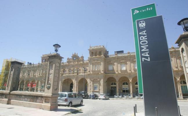 IU pide a la Diputación la instalación de un punto de información en la estación de ferrocarril