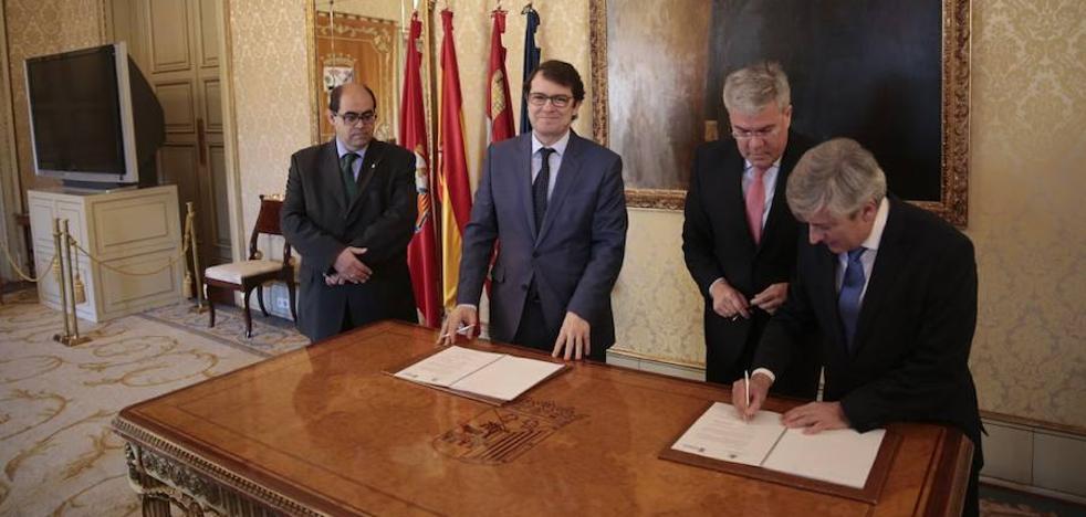 Consistorio y Hacienda firman un acuerdo pionero para agilizar la gestión catastral