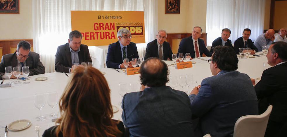 Gadis crea 42 empleos con la apertura de su primer 'súper' en el municipio