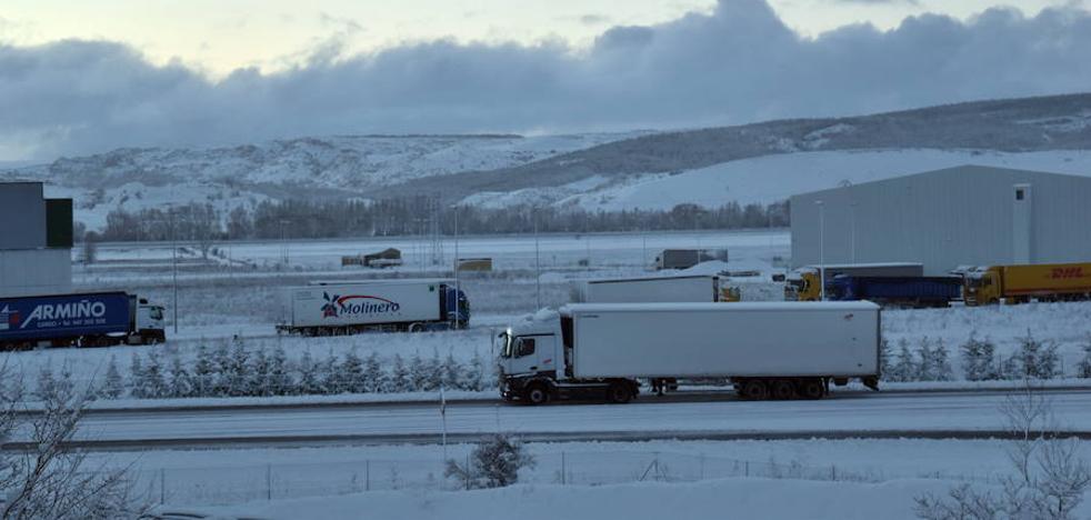 Restablecido el tráfico de camiones por la A-67