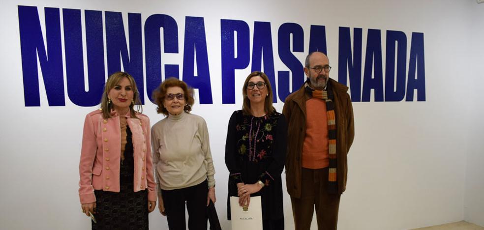 Julia Gutiérrez Caba inaugura la muestra de la película 'Nunca pasa nada'