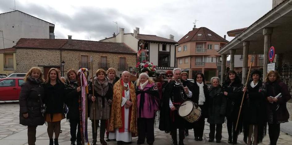Las mujeres de Linares de Riofrío y La Alberca adelantan la fiesta de las águedas