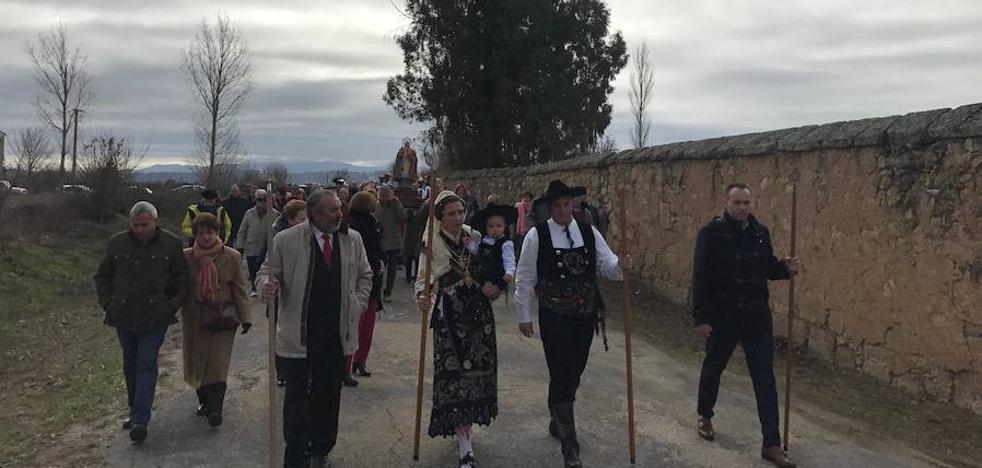 Los mirobrigenses vuelven a cumplir con San Blas y sus 17.000 gargantillas bendecidas