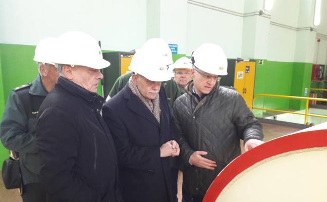 El subdelegado de Zamora visita la central hidráulica de Iberdrola en Ricobayo