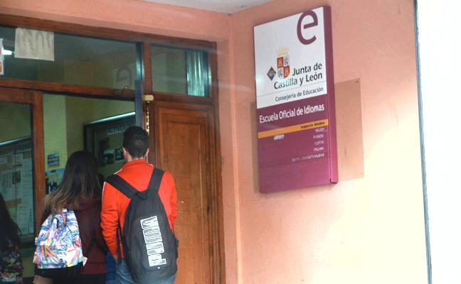 La Escuela Oficial de Idiomas ofrece un curso de Español para extranjeros