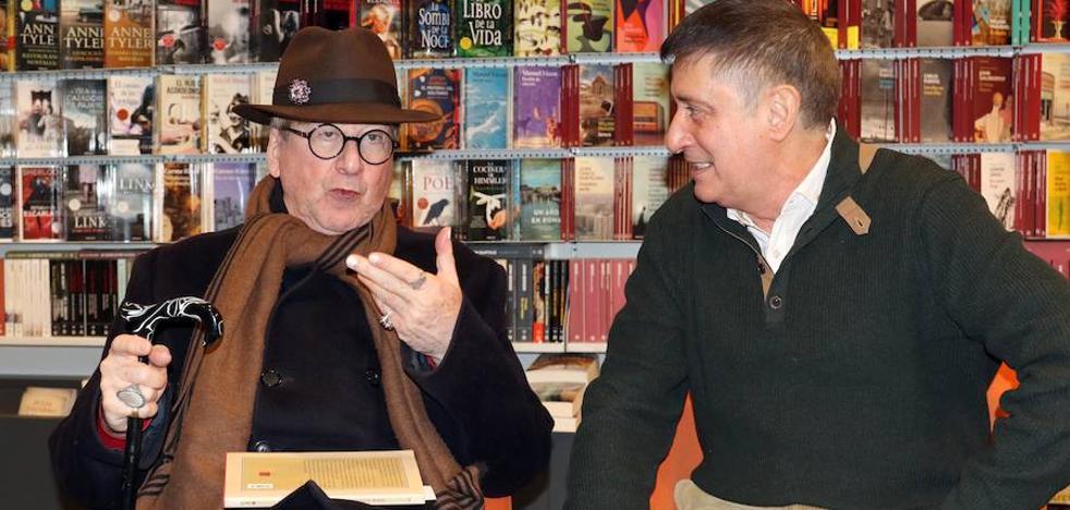 De Villena lamenta que la poesía viva «como un gorrioncillo inexperto»