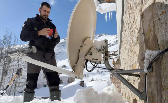 La Cueta, así se vive la 'gran nevada' en el pueblo más elevado de León