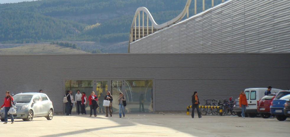 Un escape de gas obliga a evacuar la fábrica de Siro en Aguilar