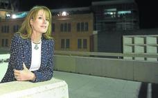 Gloria Lomana apuesta por el presente y futuro del periodismo en el Aula de Cultura