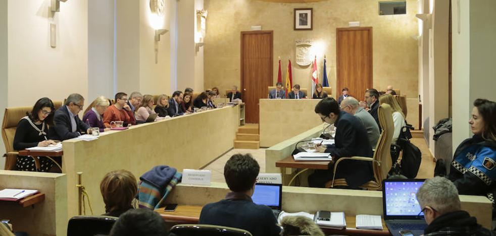 PP, PSOE y C's se imponen a Ganemos y aprueban la solución al caso Corte Inglés