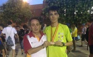 Mario García, a seis segundos del récord nacional júnior de 3.000 metros en Gante