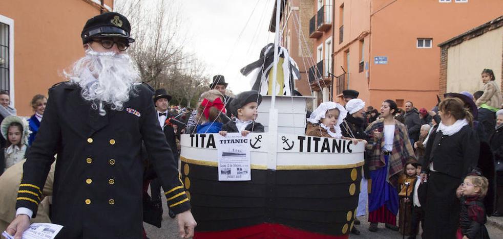 Los niños de Toro sacan a la calle sus originales disfraces en el desfile infantil