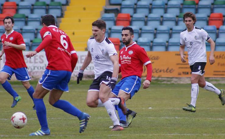 El CF Salmantino golea al Sporting Uxama (5-0)