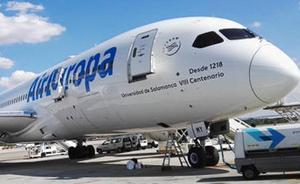 Air Europa dedica uno de sus aviones al VIII Centenario