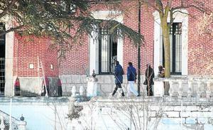 El Banco Nacional de París revisa el cuartel de Medina antes de adquirirlo