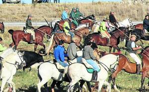 Los encierros a caballo centran la primera charla del ciclo organizado por los caballistas en Cuéllar