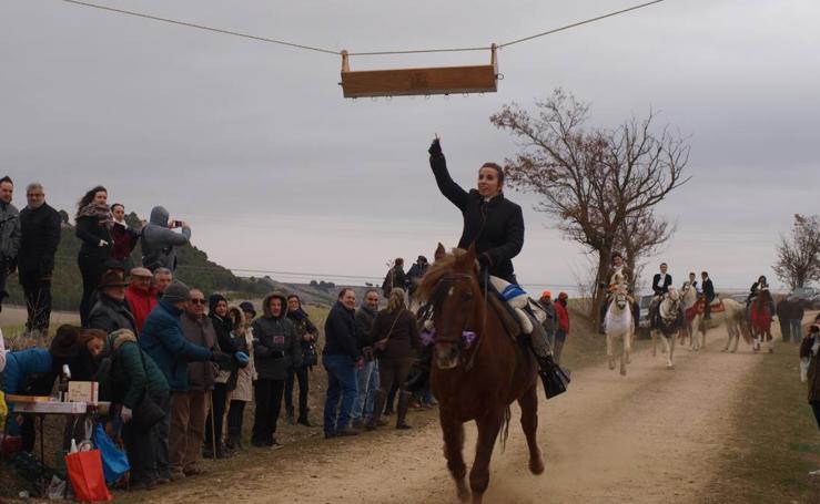 Carrera de cintas a caballo de los quintos de Torrelobatón