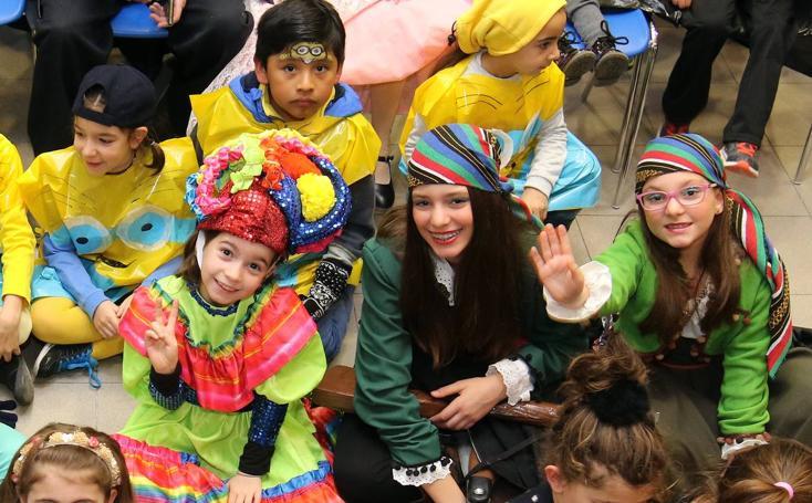 Concurso infantil de disfraces en el Centro Cultural San José de Segovia